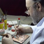 Jose Moriñigo orfebre artesano en el taller