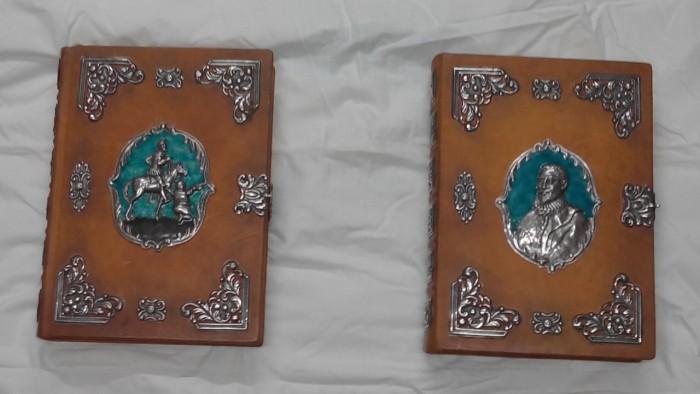 Dos tomos de El Quijote